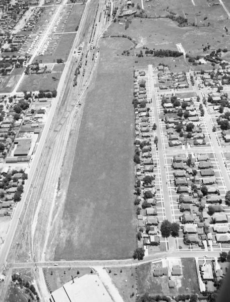 8th-street-yard-looking-south.jpg